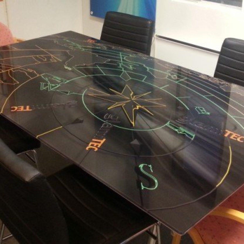 Designglass bord 6